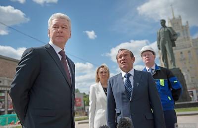 Мэр Москвы Сергей Собянин осмотрел ход работ по реконструкции Триумфальной площади