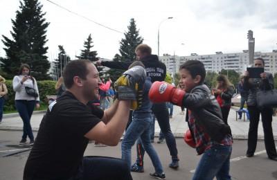 Члены молодежной палаты района Орехово-Борисово Северное приняли участие в арт-фестивале «За жизнь!»