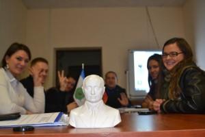 В рамках встречи молодые парламентарии поздравили президента России с Днем рождения