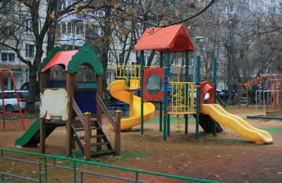Кроме двух адресов, в районе Орехово-Борисово Северное был проведен ремонт во многих дворах
