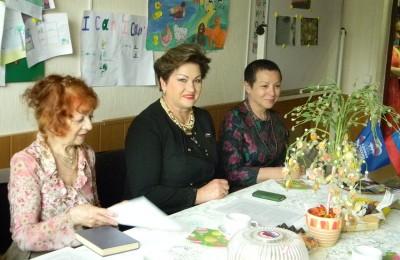 """Литературная гостиная в центра досуга и спорта """"Прогресс"""""""