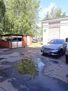 Убранная дворовая территория в районе Орехово-Борисово Северное