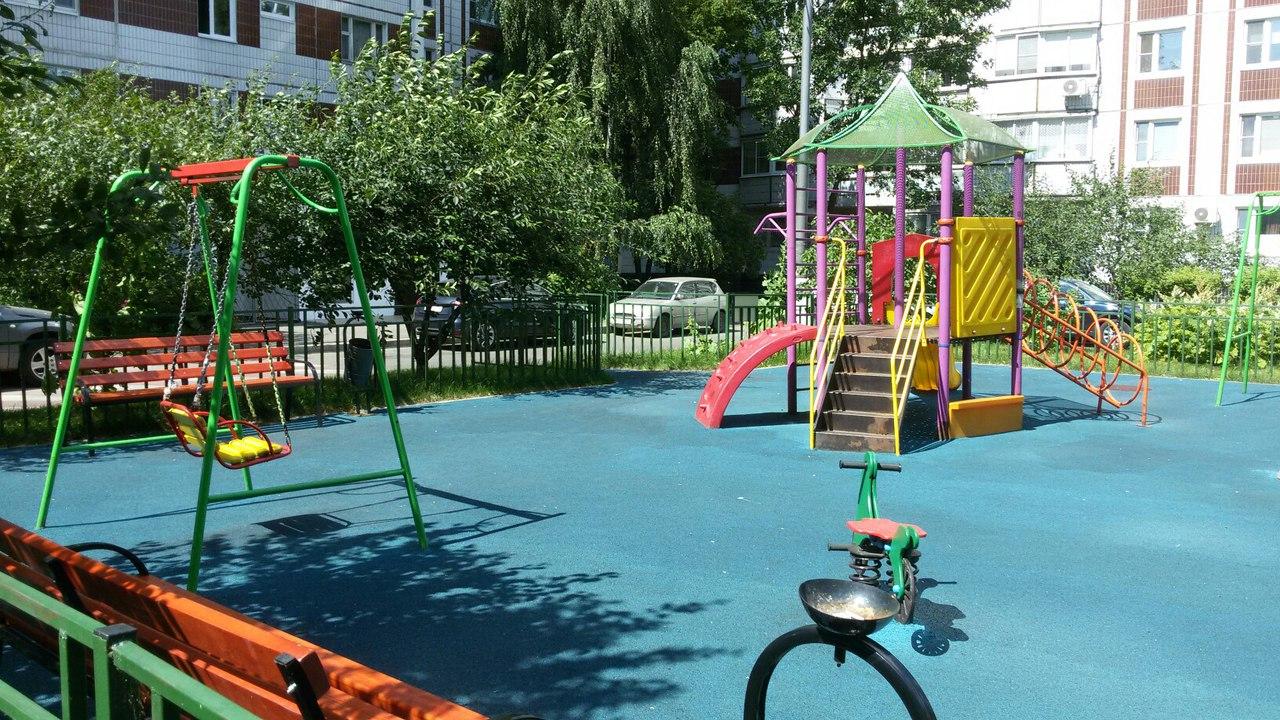 Новая детская площадка в районе Орехово-Борисово Северное