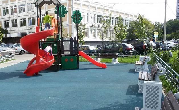 Новая детская площадка в районе Орехово-Борисово СеверноеНовая детская площадка в районе Орехово-Борисово Северное