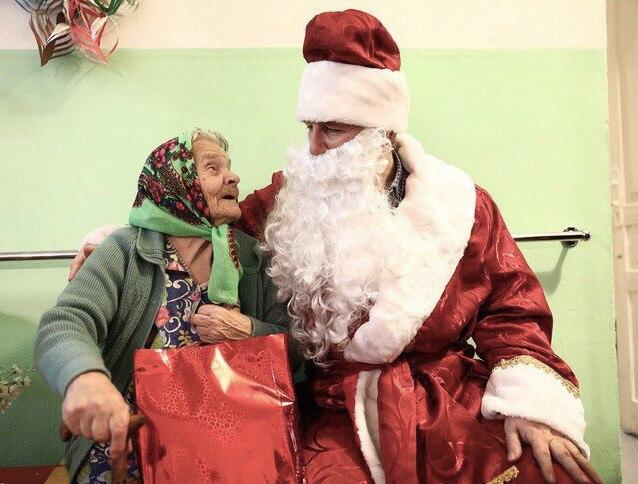 Жители района смогут собрать подарки для пожилых людей