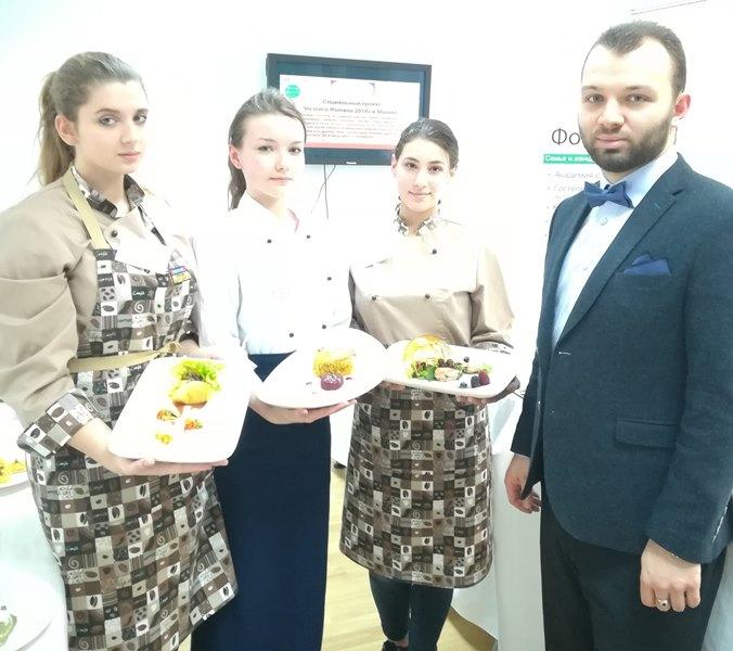 Ангелина Кравцова, Валерия Горбачева, Екатерина Супрунова и Виктор Мошков
