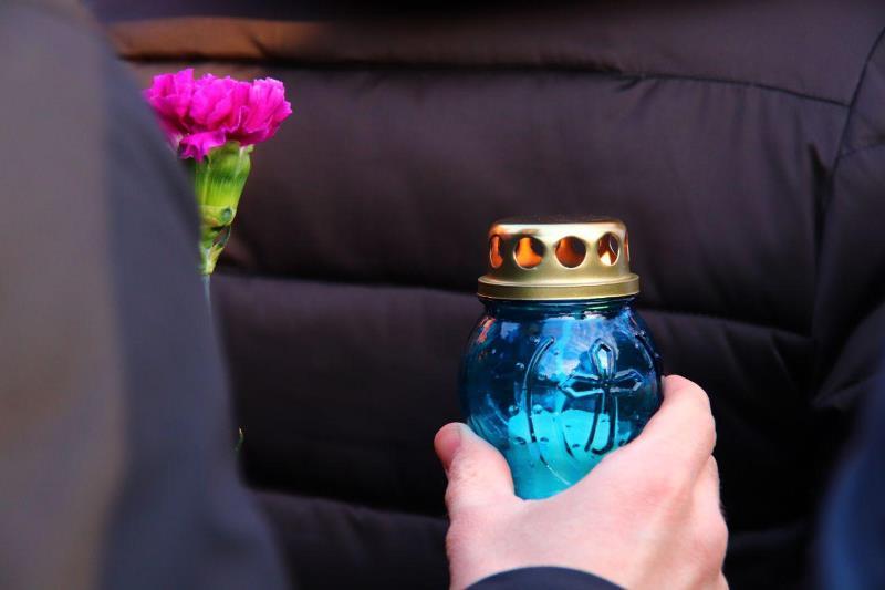 Митинг памяти погибшим при пожаре в Кемерове