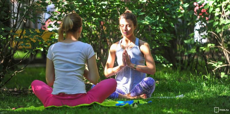 Йога в парках