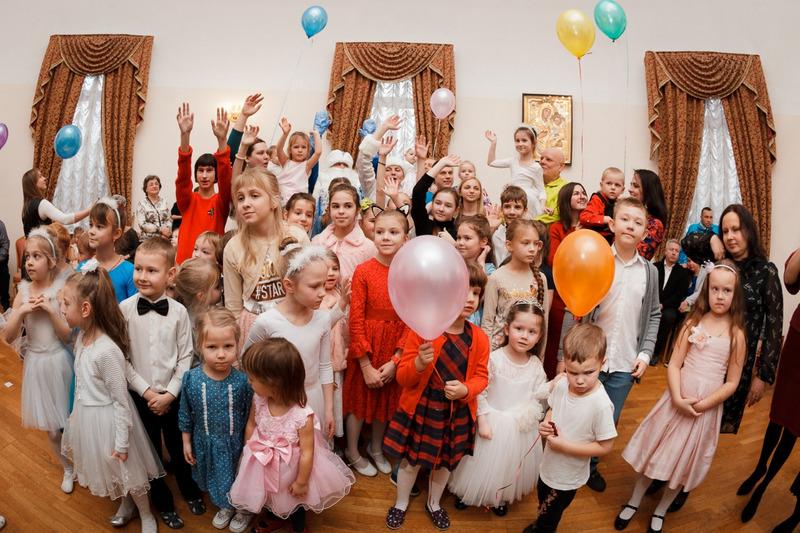 воскресная школа, патриаршее подворье, храм Живоначальной Троицы, новый год, праздник, дети источник: Светлана Колеснева