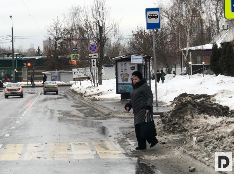 переход у колледжа Царицыно на улице генерала Белова
