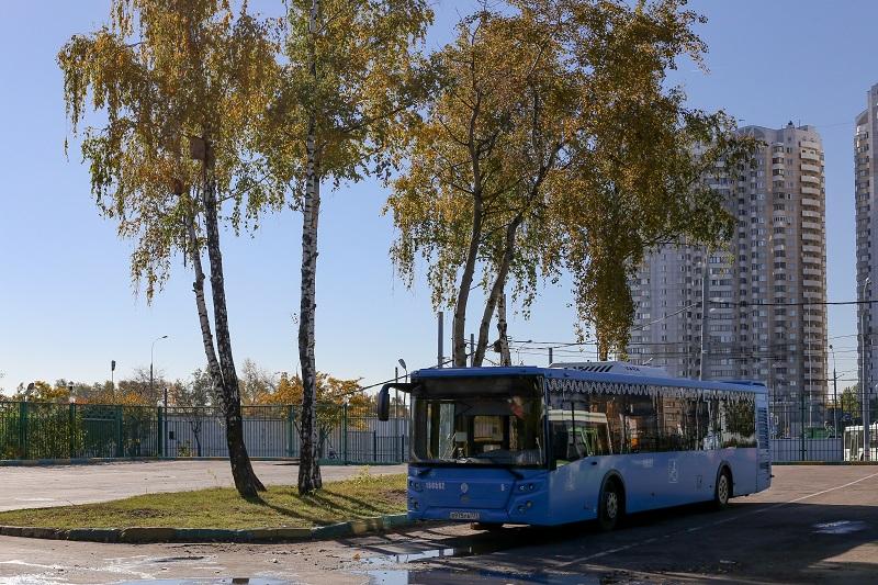 Автобус, ЮАО, 001