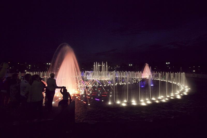 Светодинамический музыкальный фонтан в музее-заповеднике «Царицыно»