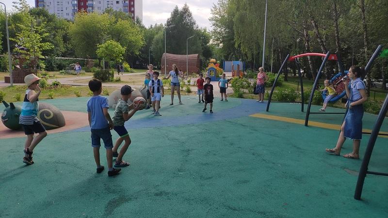 Молодежная палата, дети, мемориально-патронатная акция, игры, праздник, спортивный район