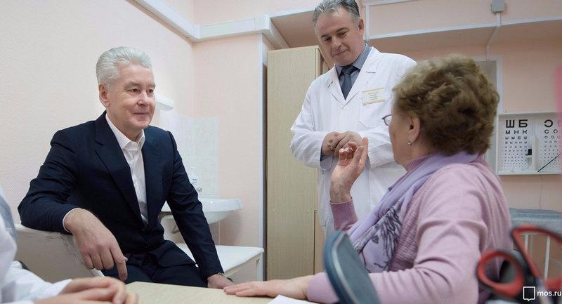 Собянин с докторами фото mos.ru