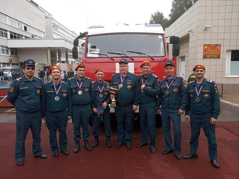 МЧС-83-пожарная-часть-пожаоные-спасатели-0508