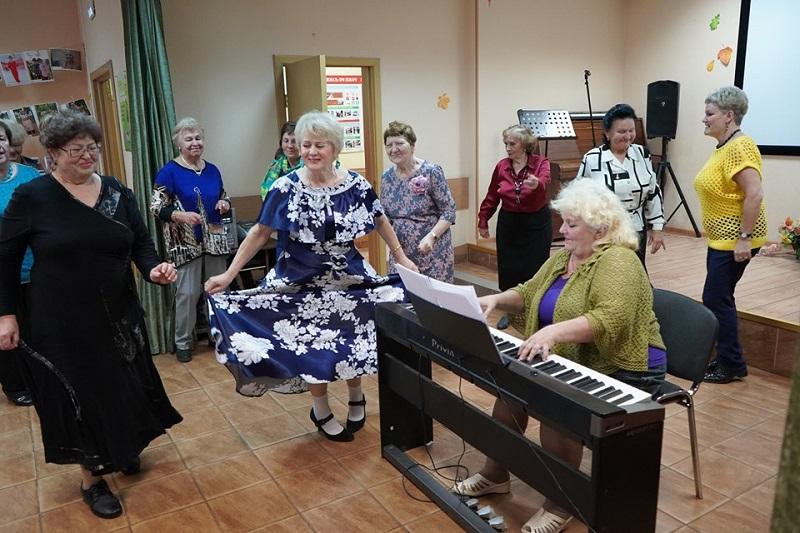 Субботы для вас, ТЦСО Орехово, Московское долголетие, Королевская осанка, мастер-класс, танцы