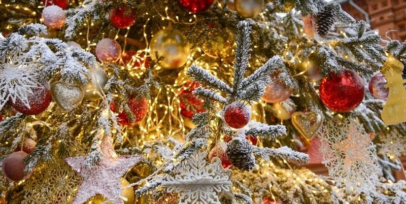 Путешествие в Рождество, Ореховый бульвар, Сказки братьев Гримм, роспиь новогодних шаров, сбитень, шницель