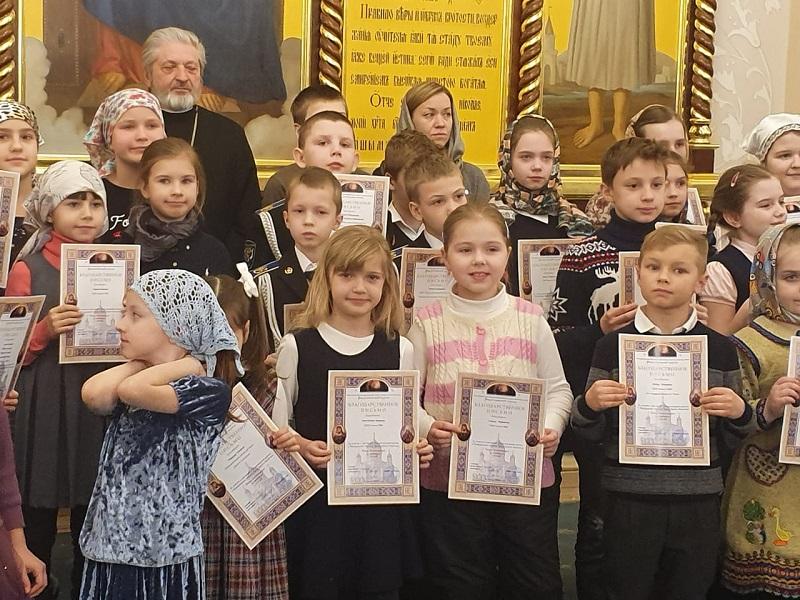 Рождественский вертеп в Храме Христа Спасителя, школа № 996, рождественский вертеп, церковь