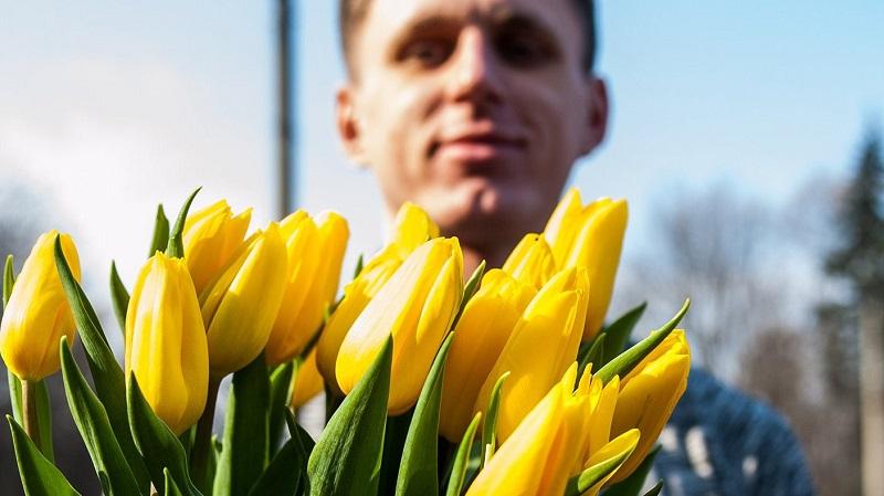 8 марта, поздравление женщин,