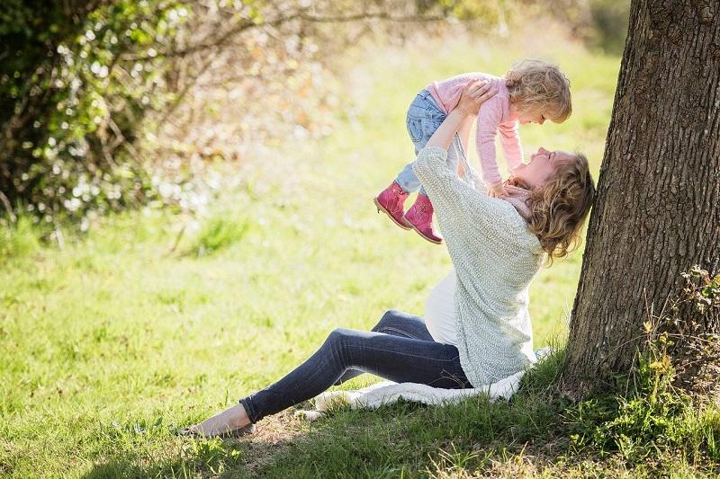 Дерево, ребенок, Наше дерево, фото пиксабай
