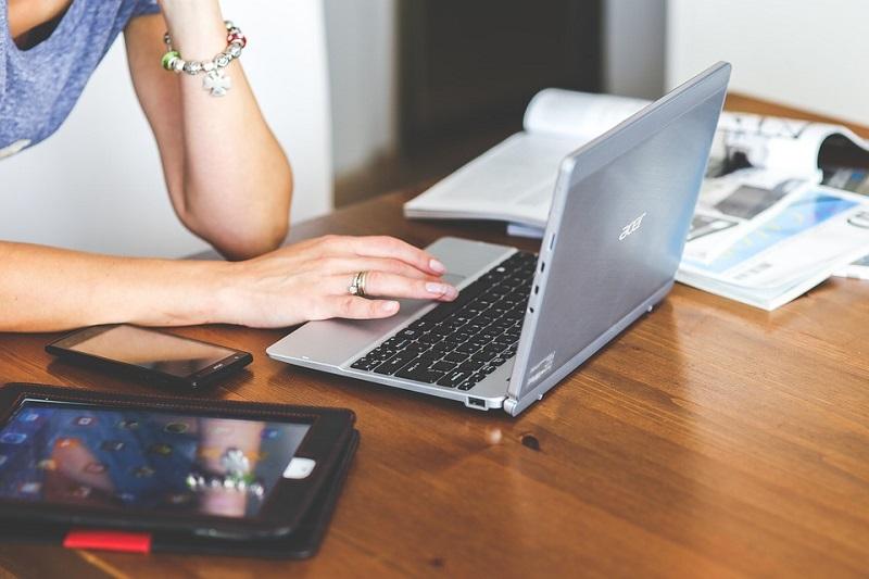 Девушка, ноутбук, онлайн, гаджет
