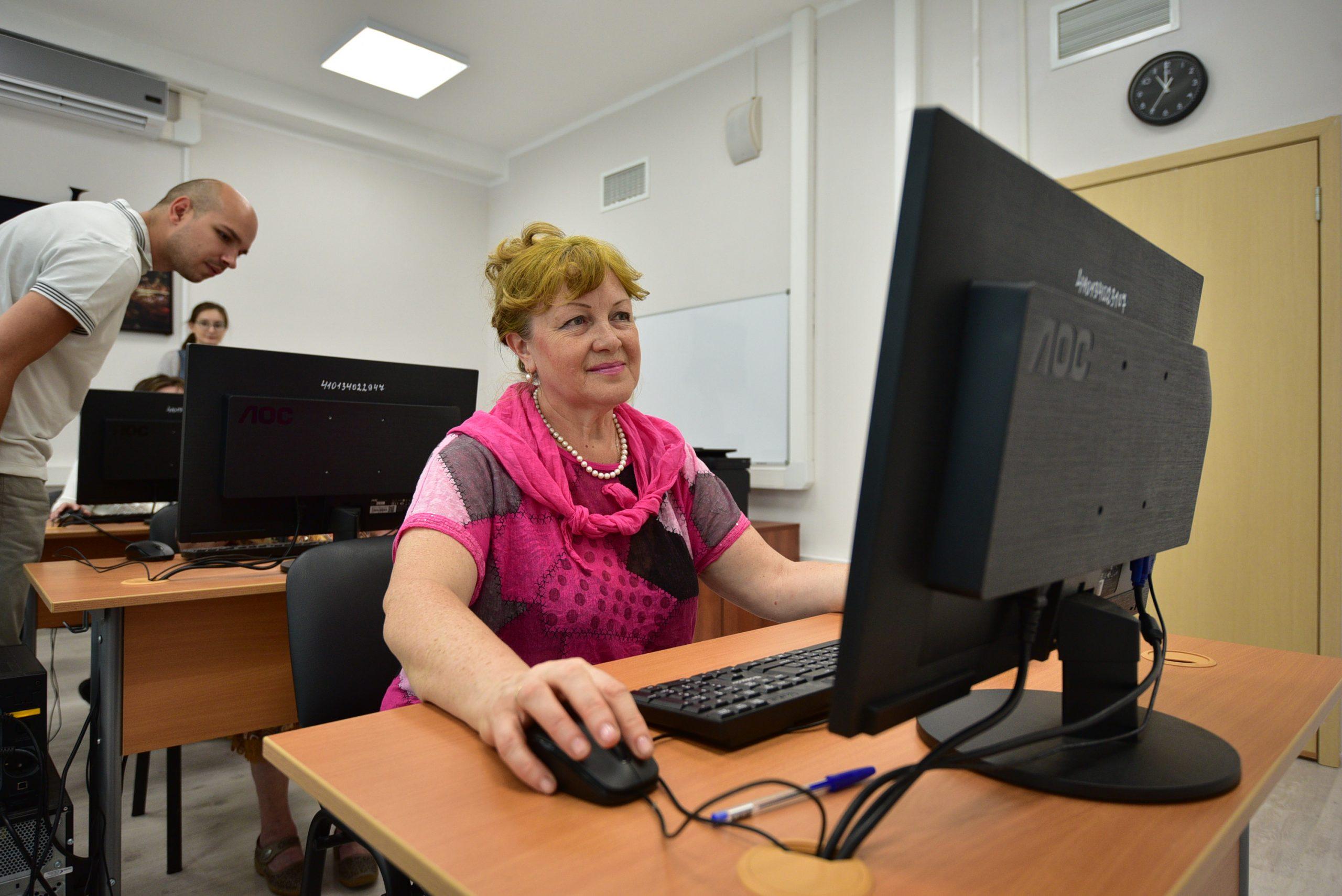Онлайн-марафон красоты проведут сотрудники Центра соцобслуживания «Орехово». Фото: Пелагия Замятина, «Вечерняя Москва»
